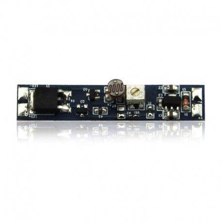 Détecteur sans contact de porte pour profilé ruban LED