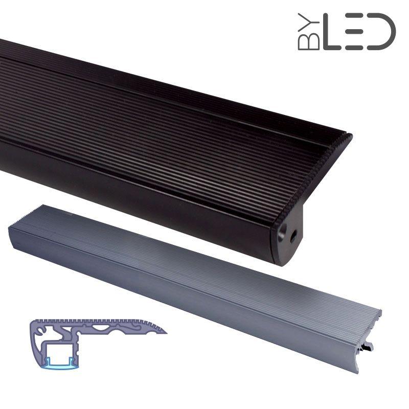 profil nez de marche d 39 escalier en aluminium pour ruban. Black Bedroom Furniture Sets. Home Design Ideas